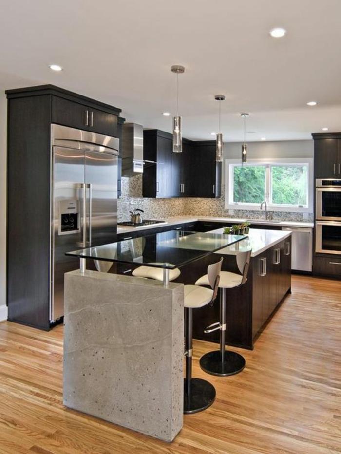 cuisine noir et bois avec ilot en verre et bois laqué noir meubles en noir
