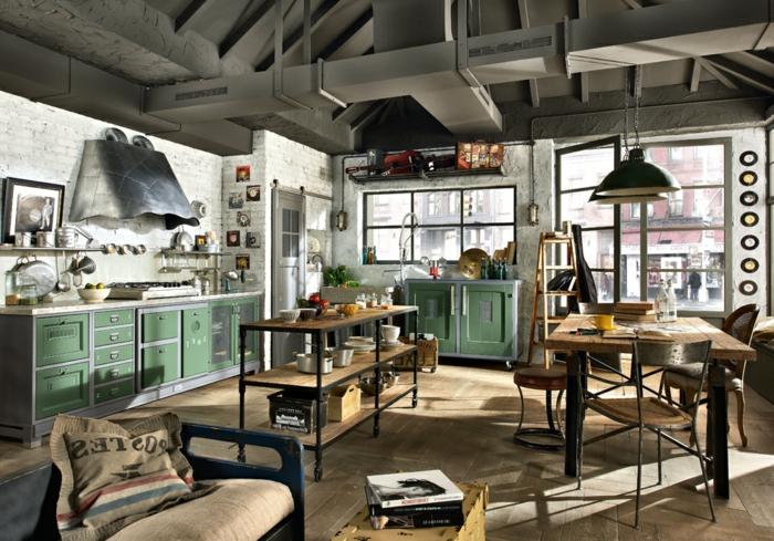 meuble noir et bois, idee deco industrielle, aménagement cuisine, murs en briques blancs, commode verte, lampes suspendues