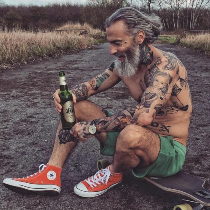 Tatouage bras homme old school style tatouage stylé homme tatou
