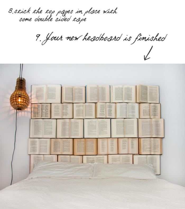 attacher les pages avec du ruban adhésif double face, faire une tete de lit soi meme en livres, lampe, linge de lit blanc