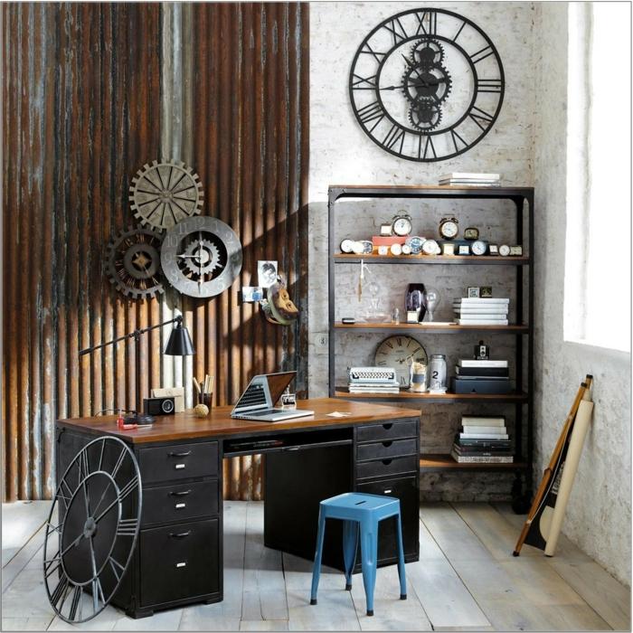 meuble industriel, bureau à domicile, mécanisme horloge, murs blancs, livres, tabouret bleu, grande fenêtre