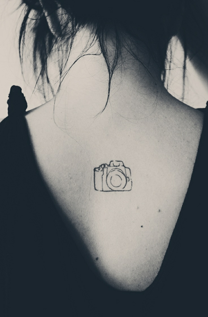 Idee de tatouage femme tatoo de femme petit tatoo discret photo appareil