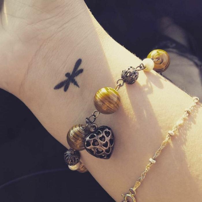 Dessin de tatouage pour femme modele de tatouage femme petit tatouage