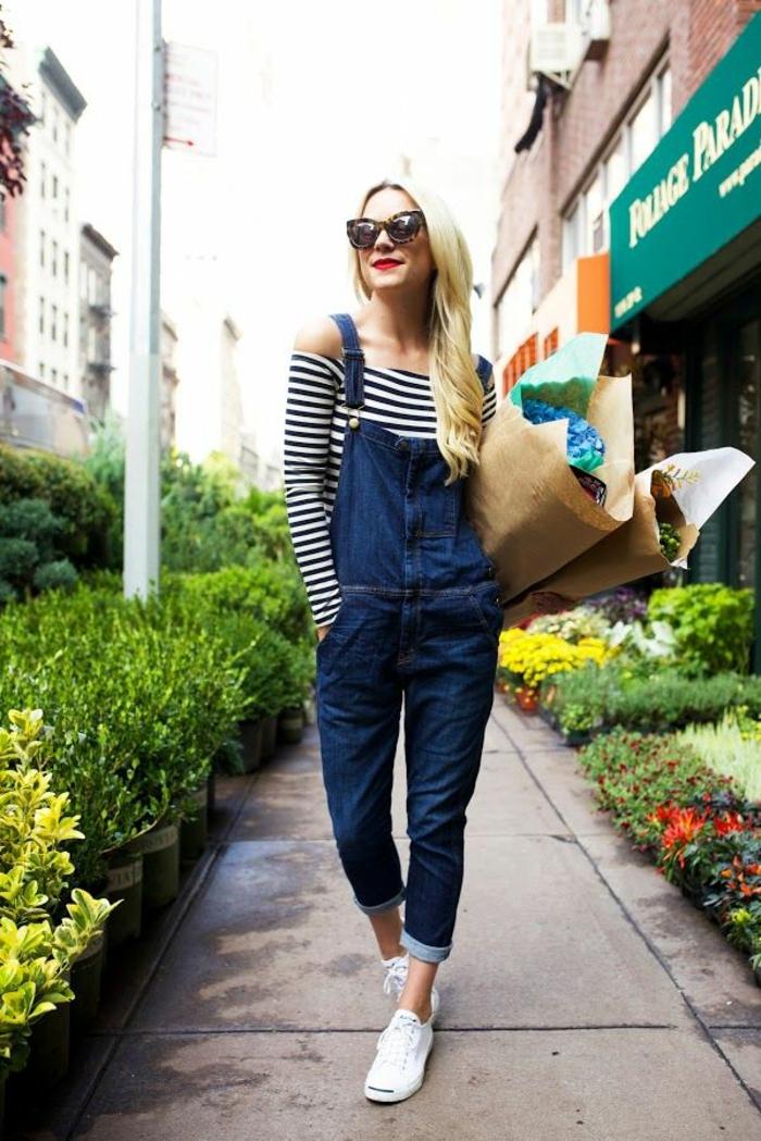 Porter une salopette tenue salopette longue cool idée mode fleurs
