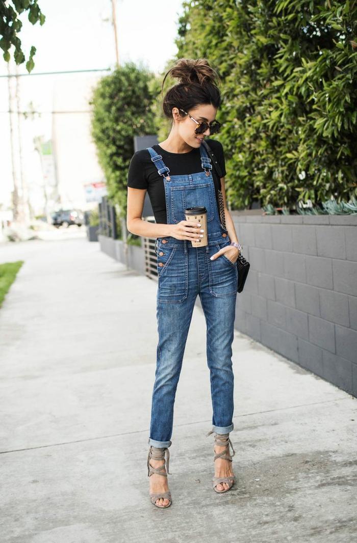 Formidable tenue salopette en jean salopette long femme sandales à talon