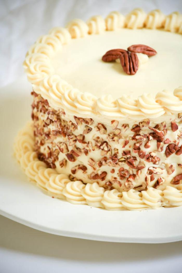 comment préparer un gâteau à l'italienne, gâteau anniversaire traditionnel au glaçage de cream cheese