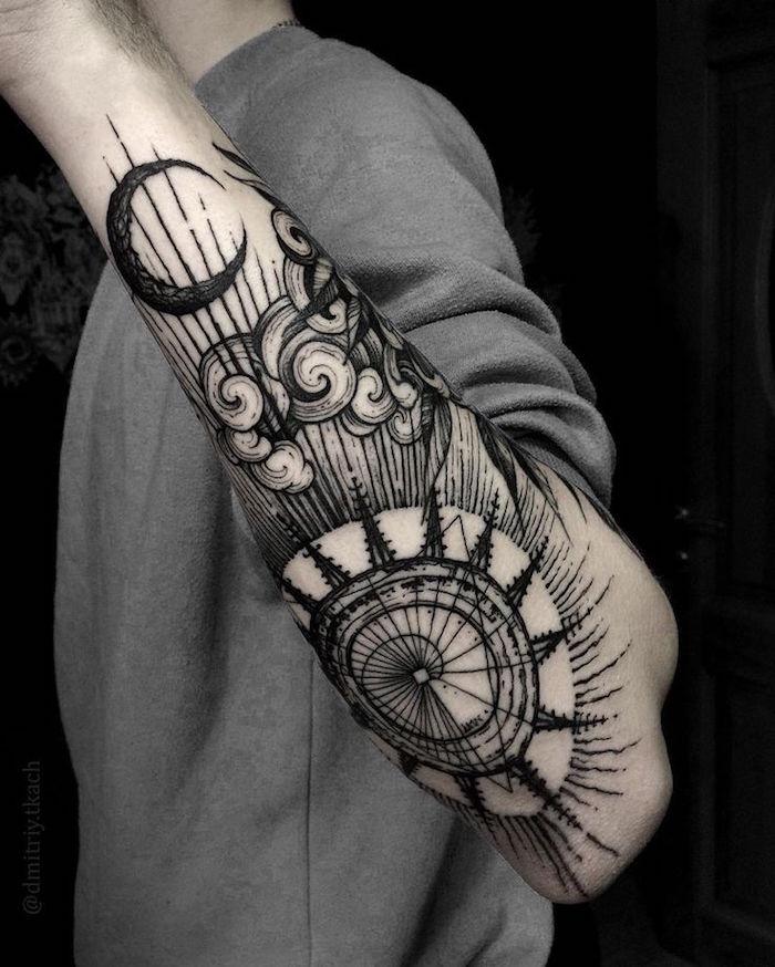 tatouage nuage avant bras homme paysage abstrait lune