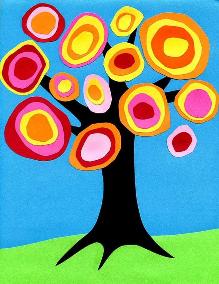 activités manuelles de bricolage, tronc d arbre et couronne multicolore en cercles de papier, loisirs creatifs