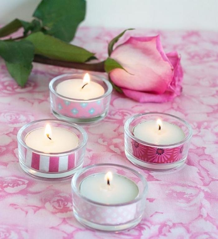 fabriquer de petits bougeoirs customisés, activite manuelle crátive, rose, decoration interieur romantique