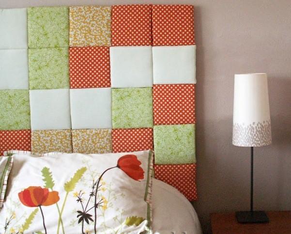 tete de lit a faire soi meme en plaques de mousse, revêtus en tisss motifs multicolores en patchwork