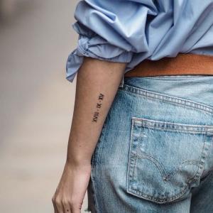 Tatouage chiffre romain – des chiffres et des lettres