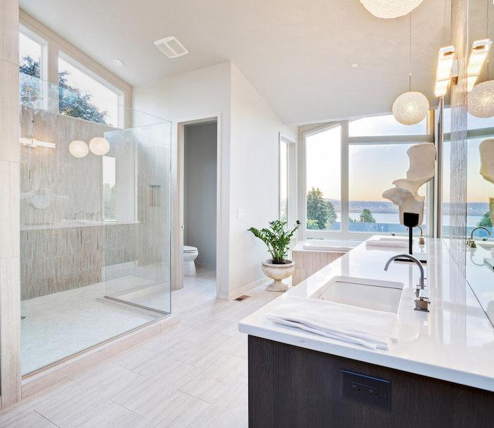 deco salle de bain, cabine de douche, dallage beige, murs blancs, modele salle de bain