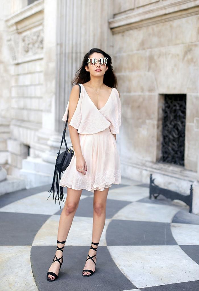 02359d0097 Maxi pochette femme pochette armani femme pochette avec franges noire  sandales robe evasee