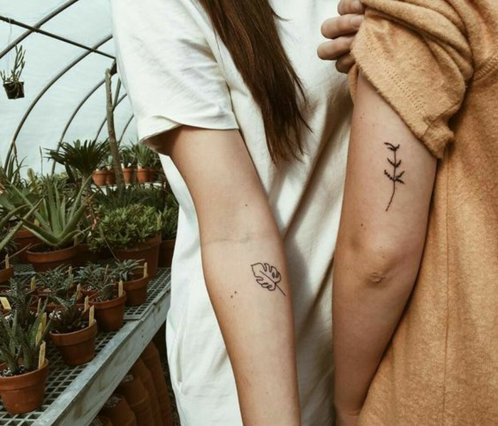 Joli tatouage fin pour femme modele tatoo femme cool