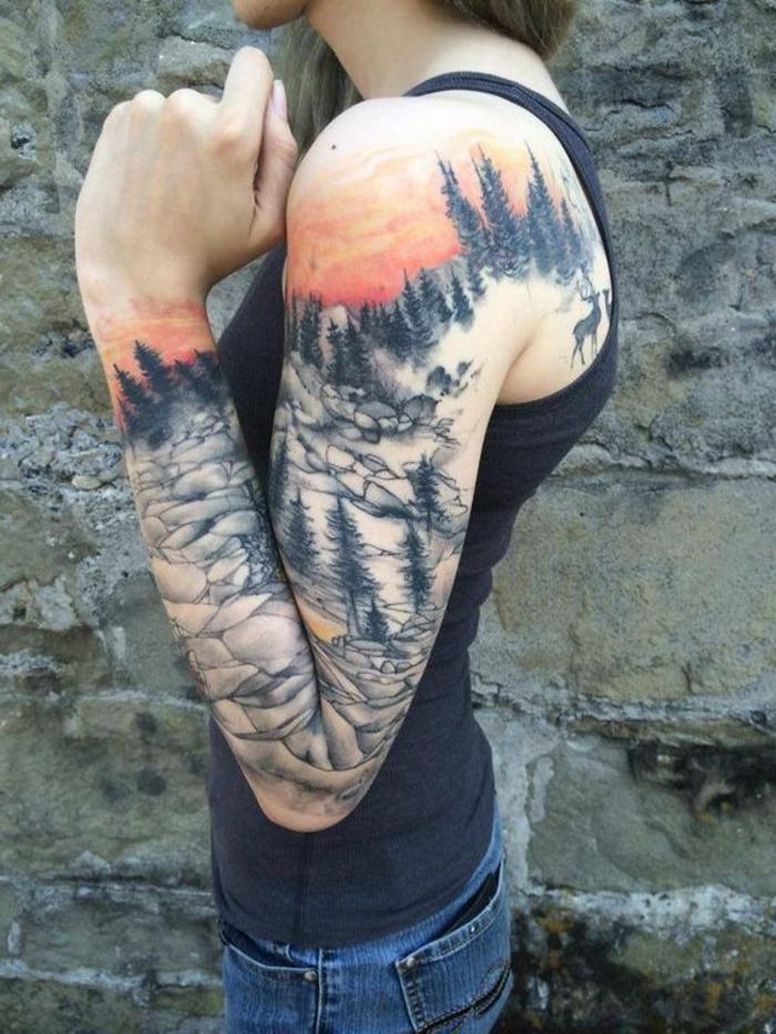 les plus beaux tatouage, une manche tatouage montagne, pierres et coucher de soleil réalistique
