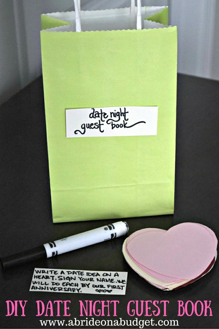Cool idée DIY projet mariage déco à faire soi meme son livre d or