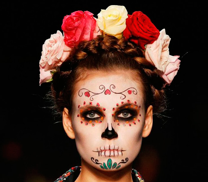 Maquillage tete de mort mexicaine rouge - Maquillage mexicain facile ...