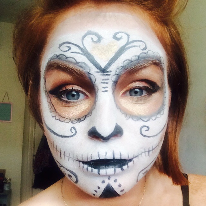 make up squelette visage femme blanc noir simple candy skull. SHARE. Maquillage  squelette femme