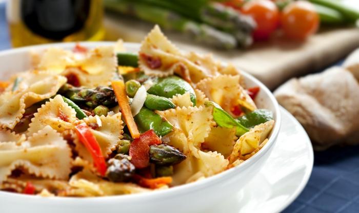 plat équilibré, comment préparer un diner sain, recettes rapides et équilibrées, pasta aux légumes