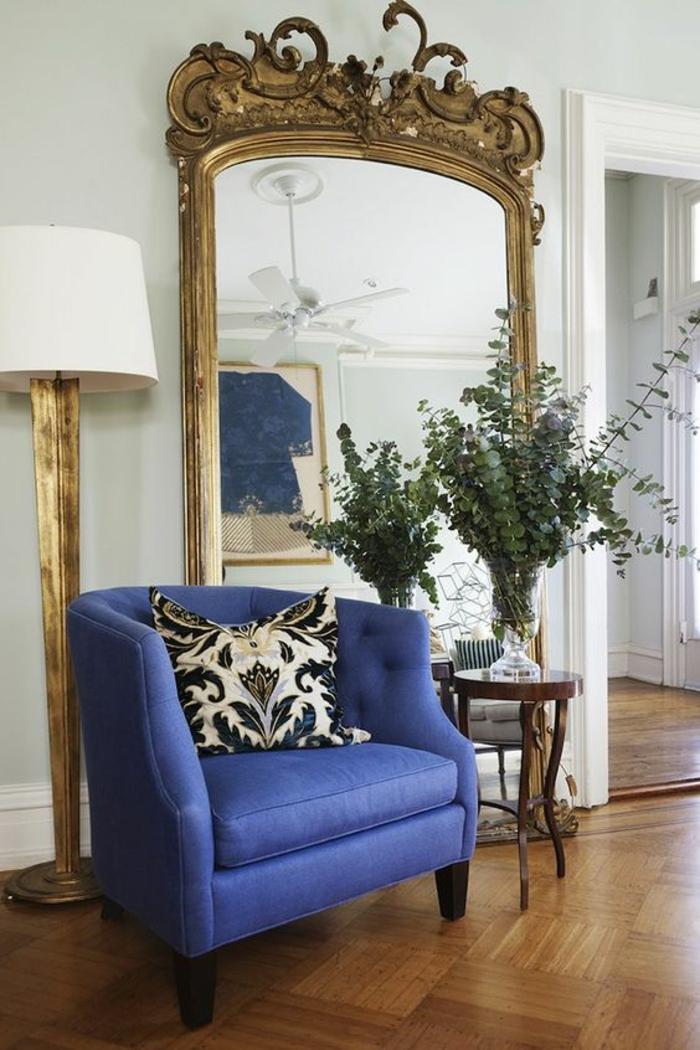 meubles baroques buffet baroque miroir énorme lampadaire sur pied haut