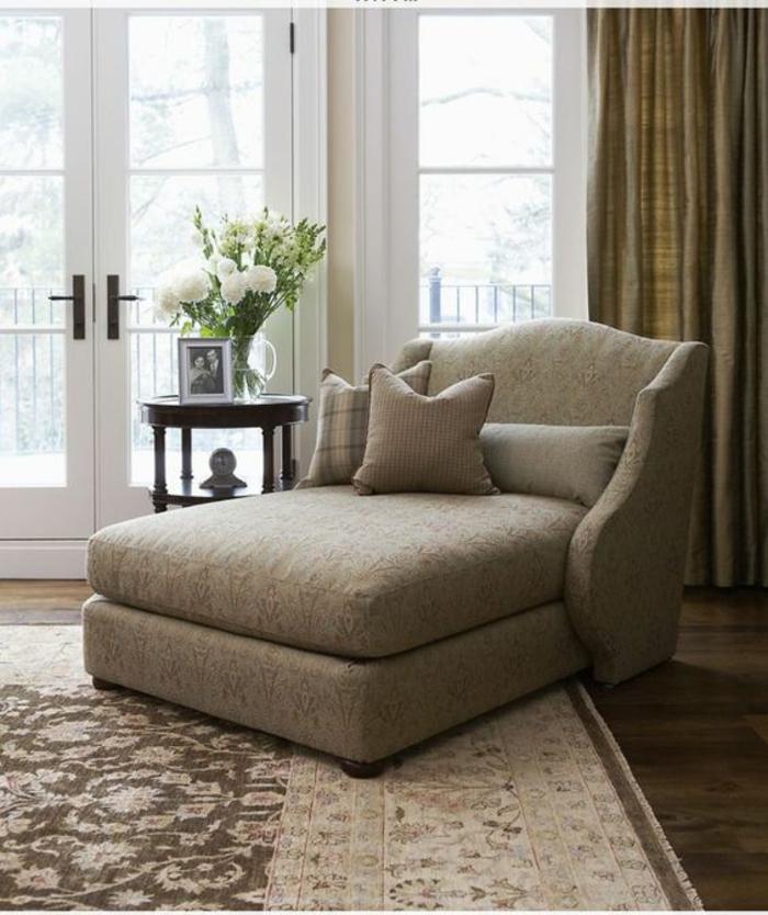 meubles baroque fauteuil méridienne de style en beige couleur neutre