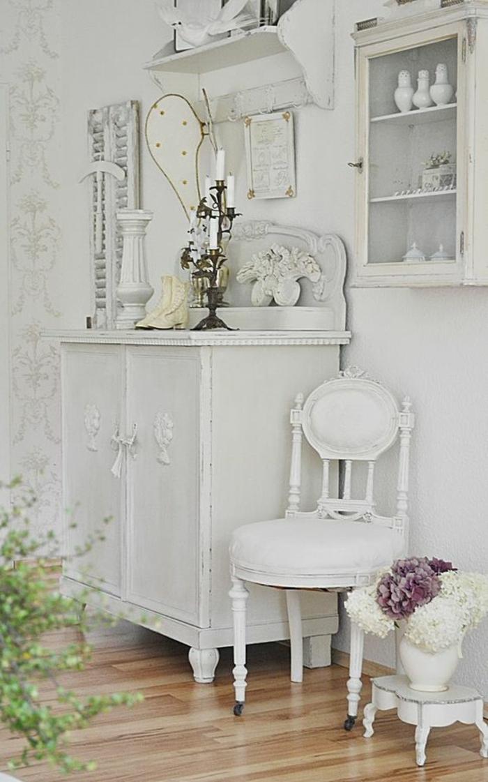 baroque meuble en blanc pour la cuisine ambiance rétro chaise sans accoudoirs