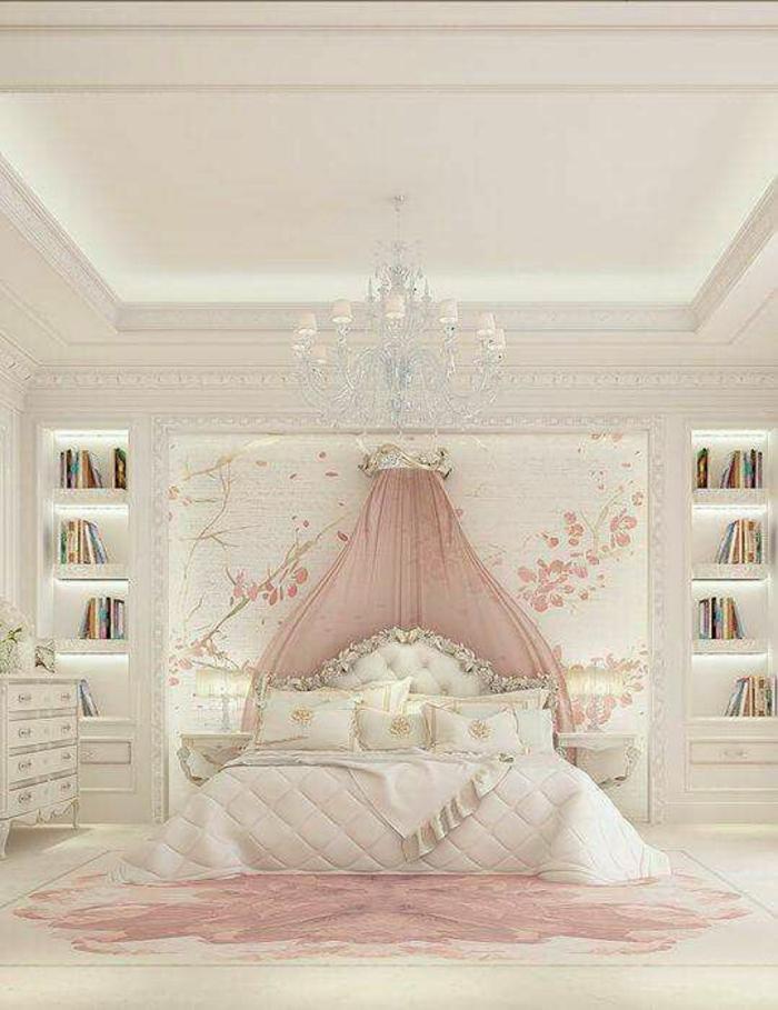 baroque meuble lit sur fond de mur blanc avec des cerisiers en rose