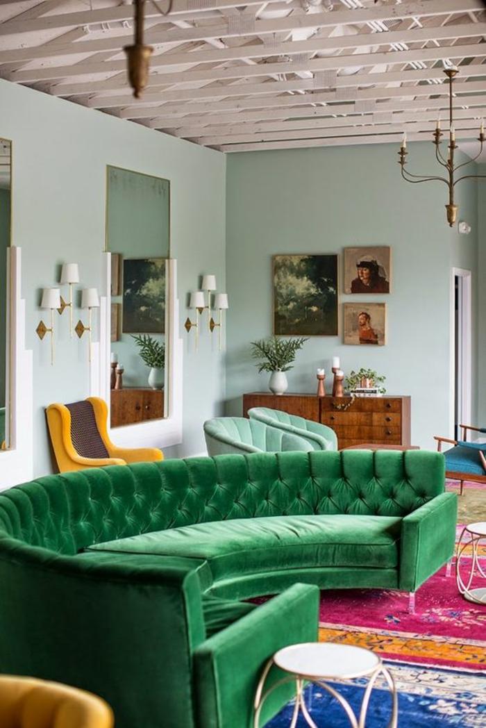baroque meuble canapé vert en forme semi ronde pour une multitude de convives