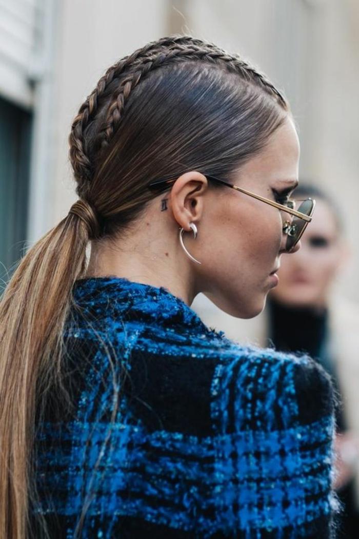 coiffure de femme queue basse avec des tresses qui commencent du front look hipster