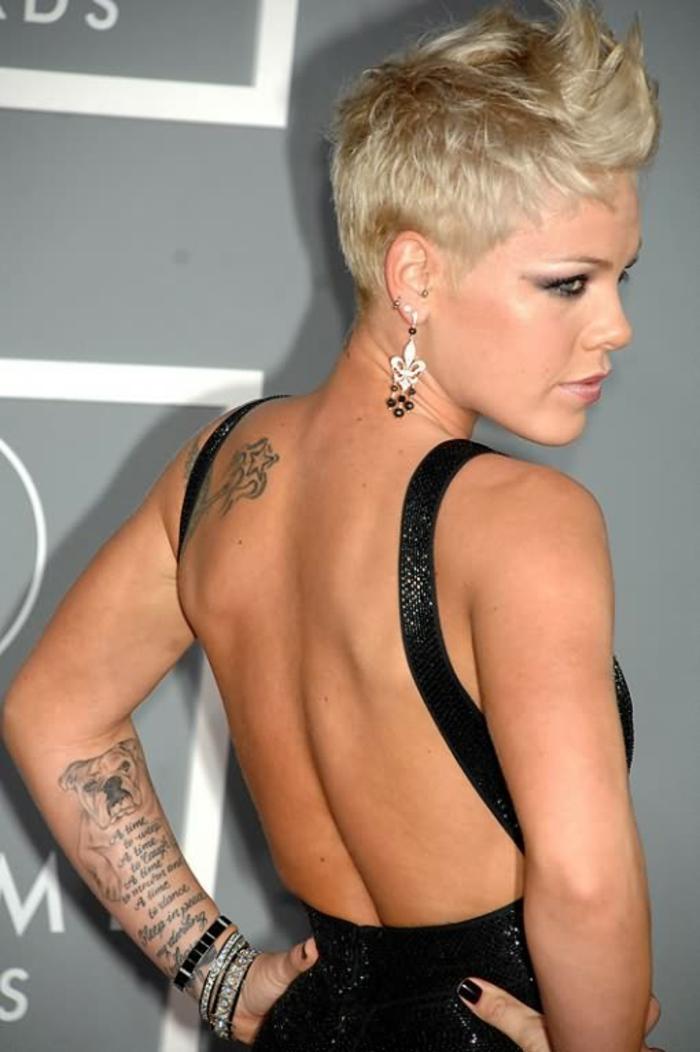 Le tattouage femme taouage femme tatto femme Pink
