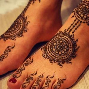 Découvrez la splendeur de l'henné pied en 68 photos inspirantes