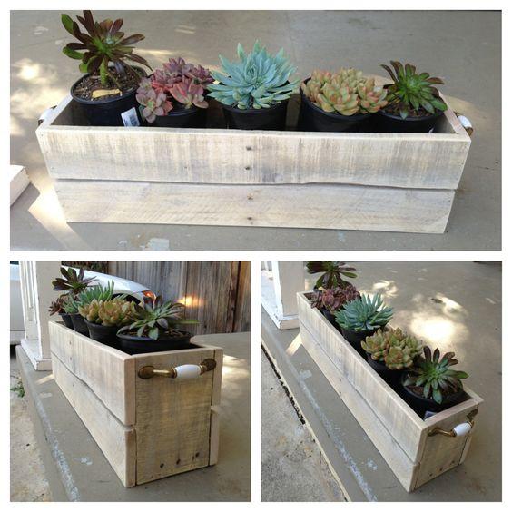 support pour pots de fleurs, idée comemnt fabriquer un rangement pour succulents, jardiniere palette deco exterieure