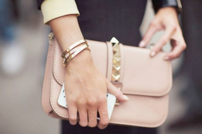 Pochette lacoste femme ou pochette longchamp femme