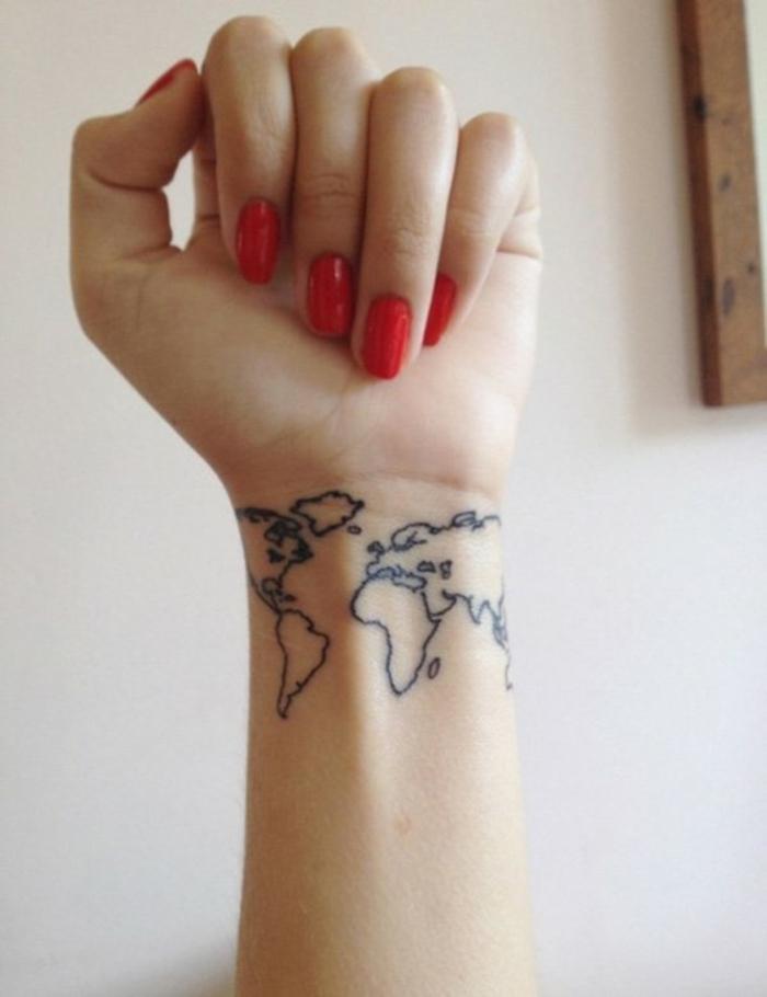 Signification tatouage chouette pin up tatouée tatoo old school voyage la carte du monde