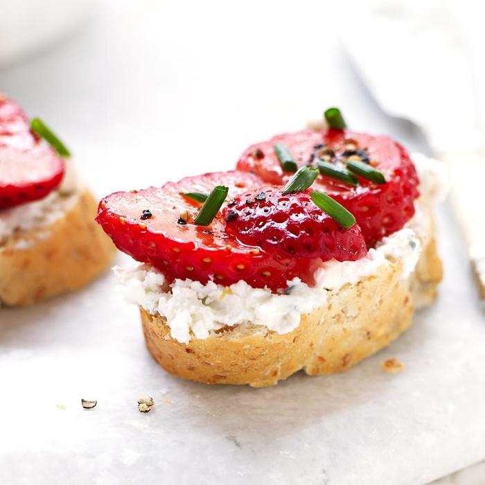 bruschetta aux fraises et au mascarpone pur un apéro dessert léger