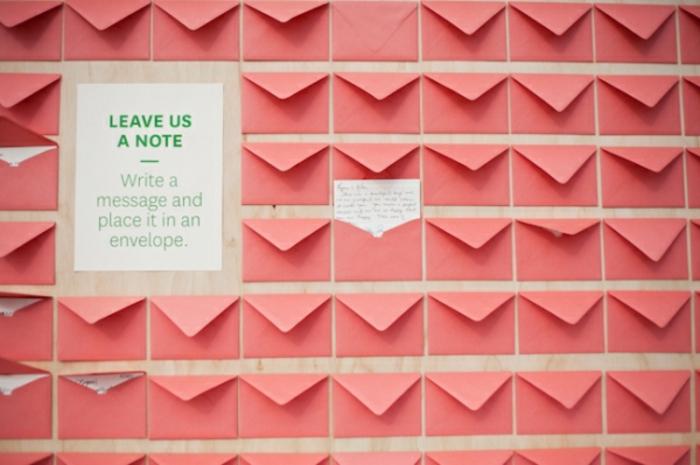 Livre d'or originale souvenir du mariage cool idée comment créer petits enveloppes pour messages marié tableau