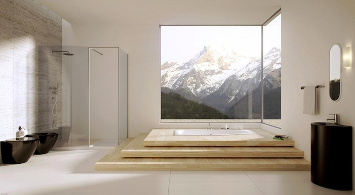 modele salle de bain, plafond blanc, paroi en verre, idee salle de bain, baignoire blanche, miroir