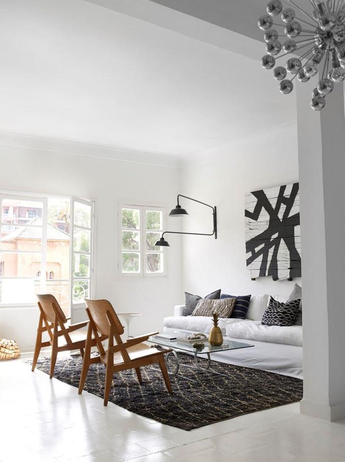 une déco scandinave en noir et blanc, comment adopter le style ethnique chic dans le salon