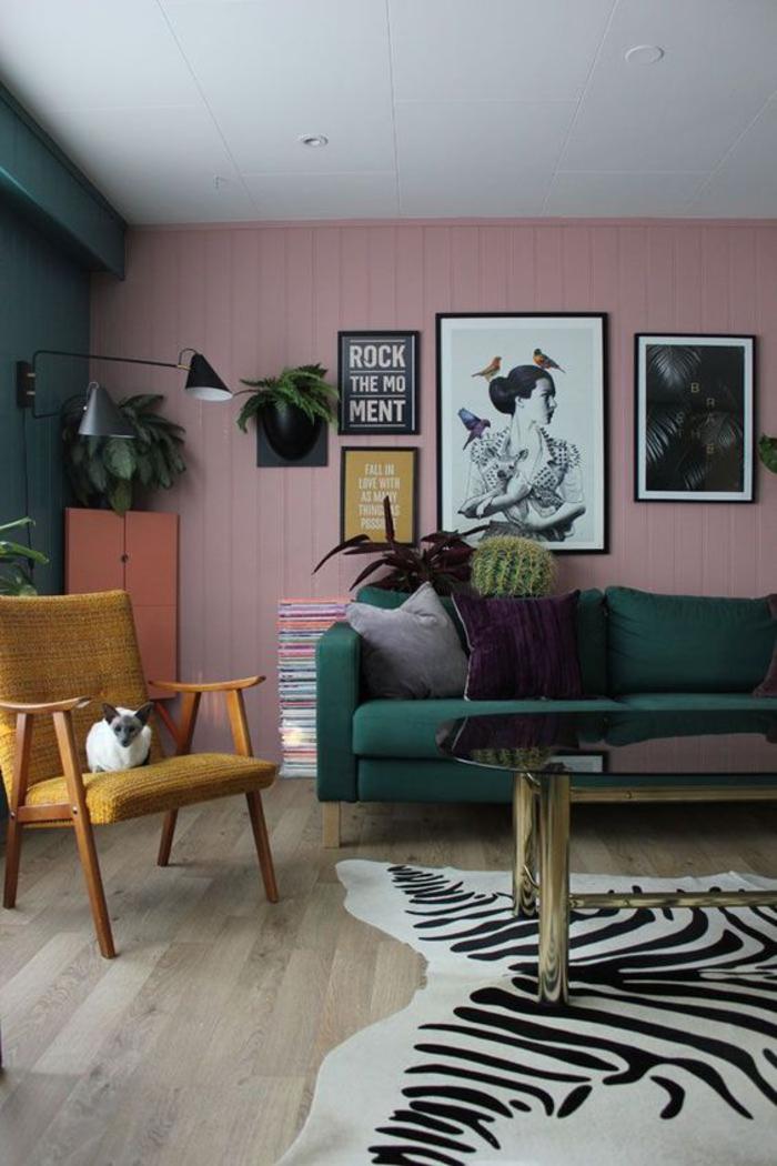 salon vintage aux couleurs tendance, placard couleur sienne