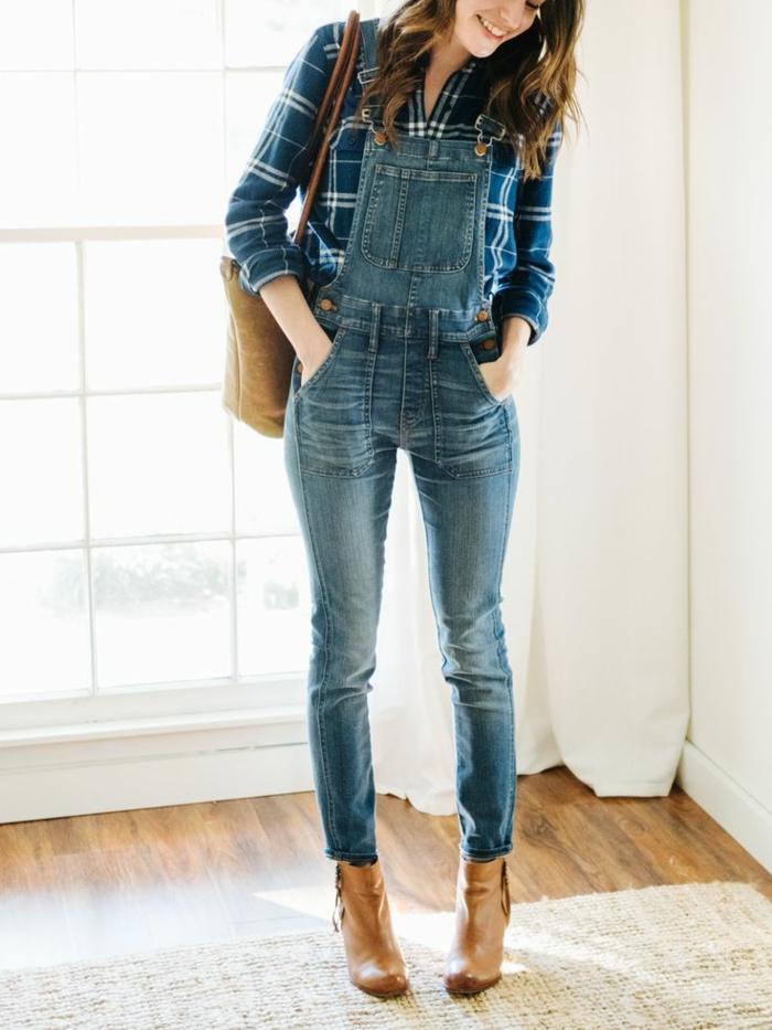 Une salopette jean noire mode salopette belle tenue