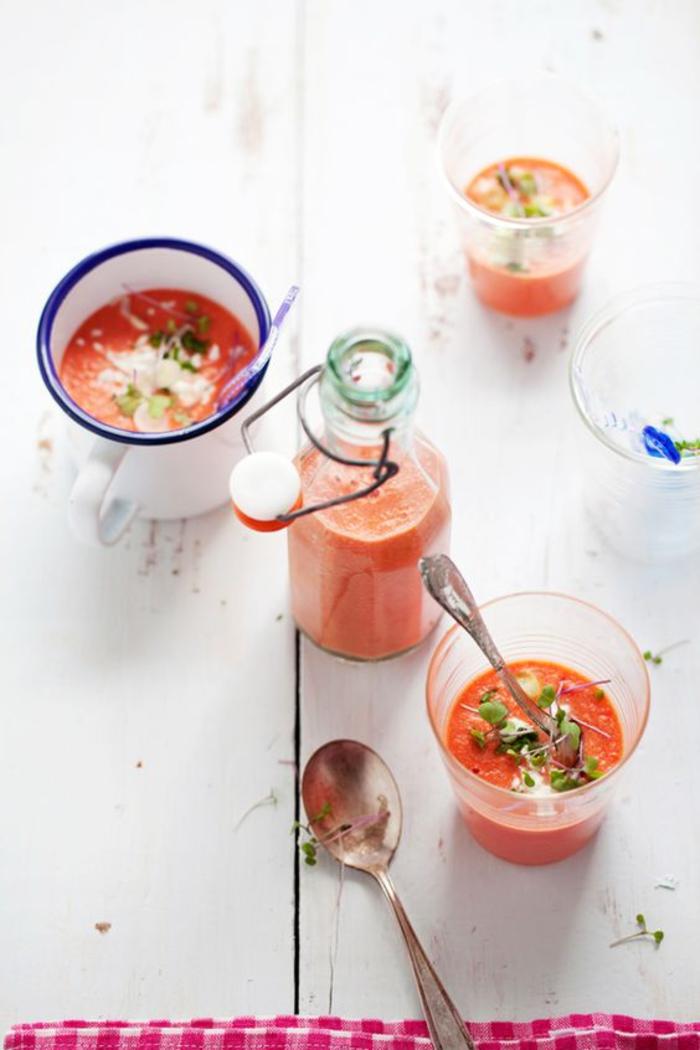 recette gaspacho en verrines pour une apéro facile et rapide, soupe froide de tomates et de pastèque