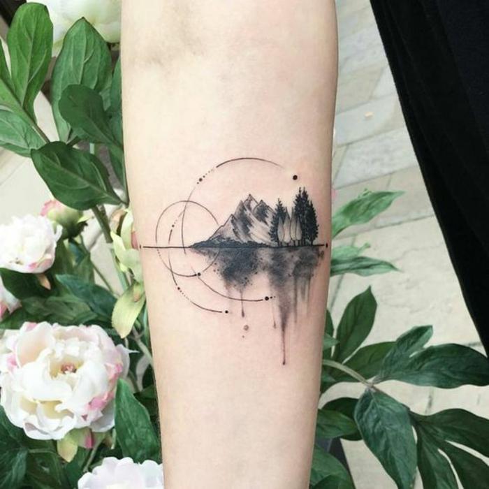Allure tatouage bras femme tatouage feme idée signification