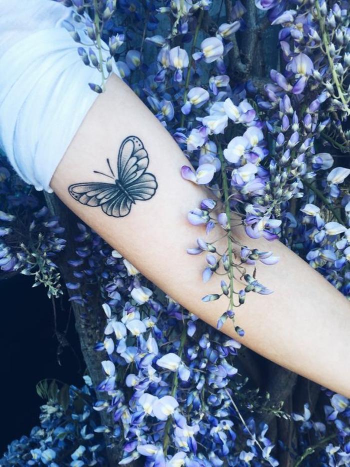 Petit tatouage femme tatou femme modele pour tatouage papillon jolie