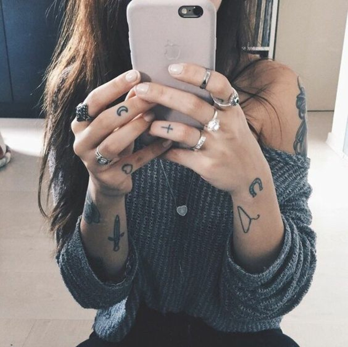 Plume oiseau tatouage tatouage nouveau départ tatouages petits et grand