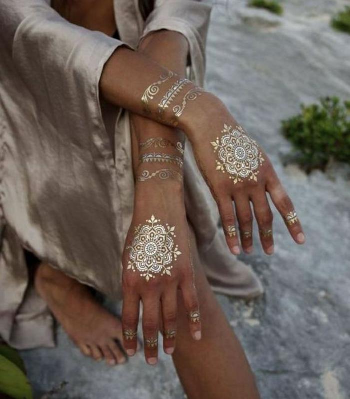 Quel model de tatouage pour femme tatouage femme modele henné