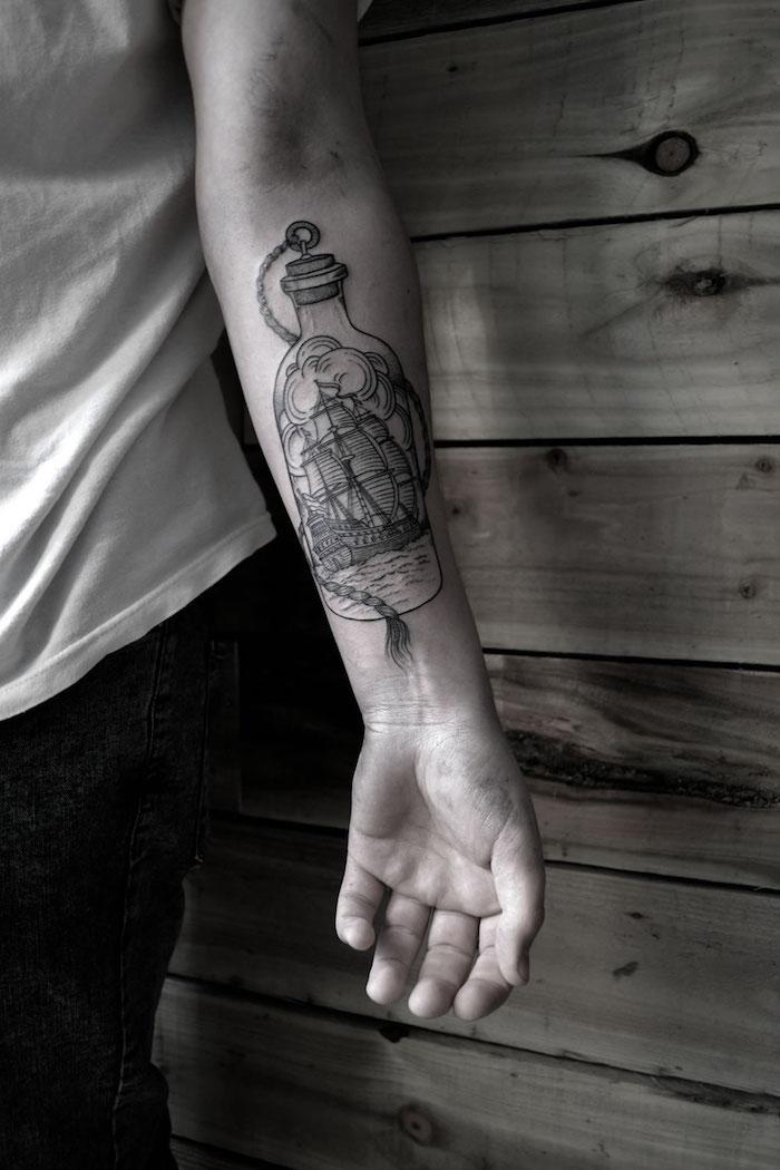 1001 mod les de tatouage homme uniques et inspirants - Ligne de vie tatouage ...