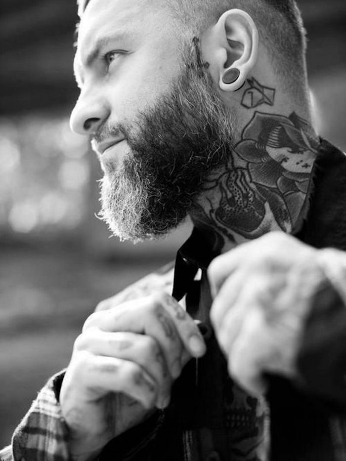 tatouage dans le cou hipster homme style tattoo old school barbe