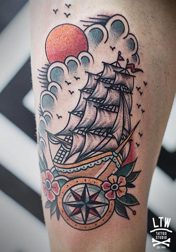 tatouage style old school marin tattoo bateau boussole nuages vintage