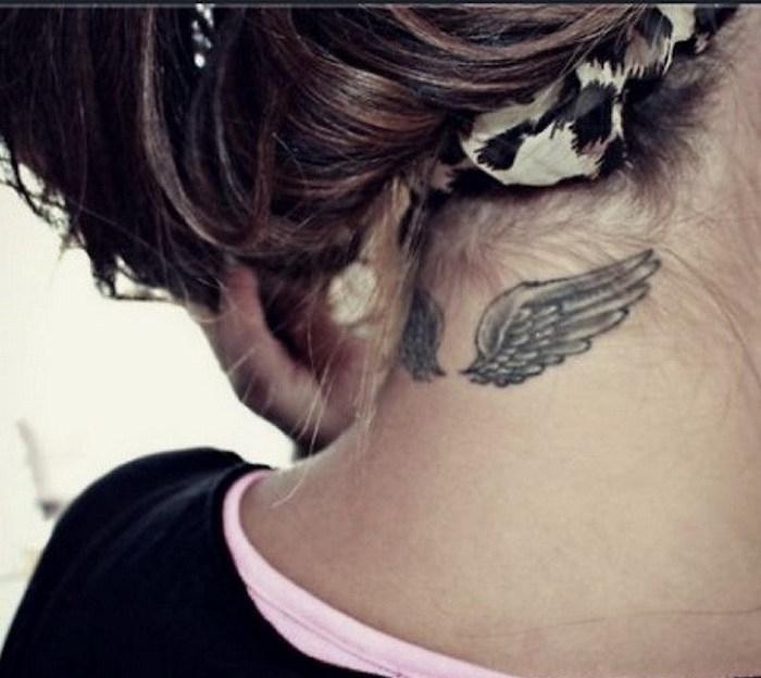 idées modele tatouages ailes dans la nuque tattoo qu cou femme aile ange