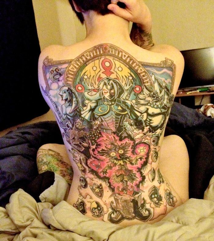 tattoo japon tatouage manga couleurs dos entier femme style japonais